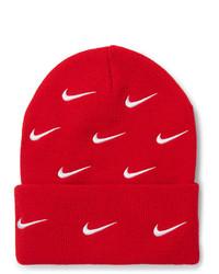 rote bedruckte Mütze von Nike