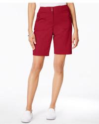 rote Bermuda-Shorts
