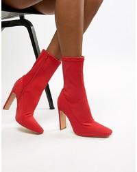 rote elastische Stiefeletten von Missguided