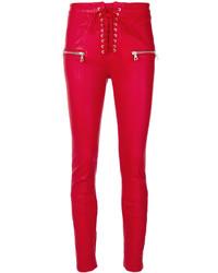 rote enge Hose aus Leder