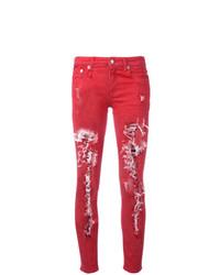 rote enge Jeans mit Destroyed-Effekten von R13
