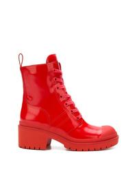 rote flache Stiefel mit einer Schnürung aus Leder von Marc Jacobs