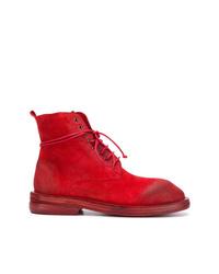 rote flache Stiefel mit einer Schnürung aus Wildleder von Marsèll