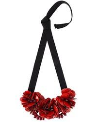 rote Halskette mit Blumenmuster von P.A.R.O.S.H.
