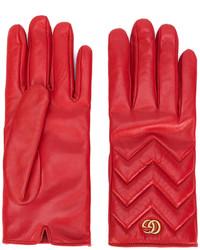 rote Handschuhe von Gucci
