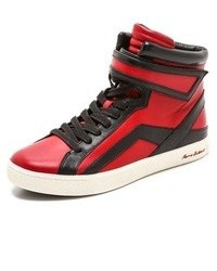 rote hohe Sneakers aus Leder