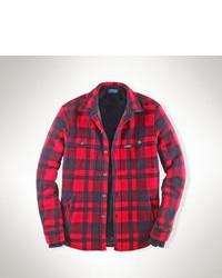 rote Jacke mit einer Kentkragen und Knöpfen