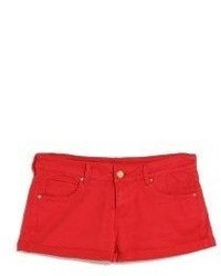 rote Jeansshorts