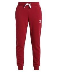 rote Jogginghose von adidas