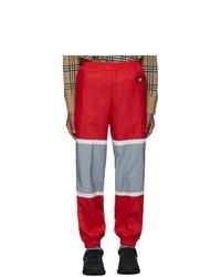 rote Jogginghose von Burberry