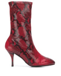 rote Leder mittelalte Stiefel von Stuart Weitzman