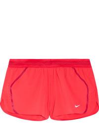 rote Shorts von Nike