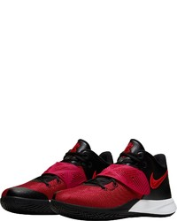 rote Sportschuhe von Nike