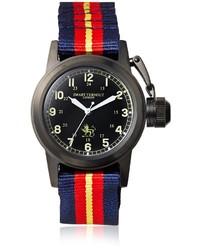 rote und dunkelblaue horizontal gestreifte Uhr