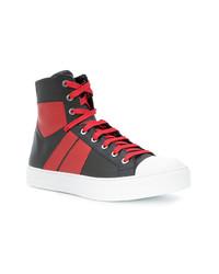 rote und schwarze hohe Sneakers aus Leder