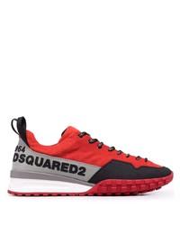 rote und schwarze Sportschuhe von DSQUARED2