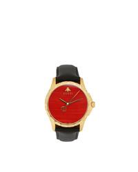 rote und schwarze Uhr von Gucci