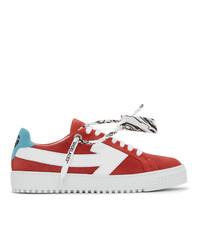 rote und weiße Wildleder niedrige Sneakers