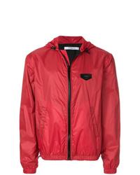 rote Windjacke von Givenchy