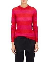 roter horizontal gestreifter Pullover mit einem Rundhalsausschnitt