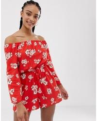 roter kurzer Jumpsuit mit Blumenmuster von New Look