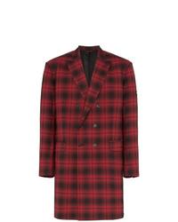 roter Mantel mit Schottenmuster von Balenciaga