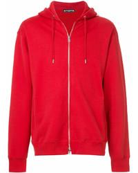 roter Pullover mit einem Kapuze