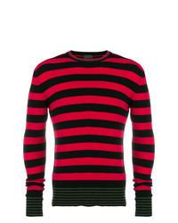 roter und schwarzer horizontal gestreifter Pullover mit einem Rundhalsausschnitt