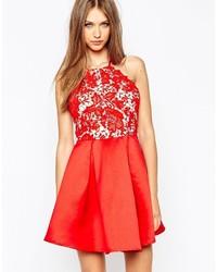 rotes ausgestelltes Kleid aus Spitze von Missguided