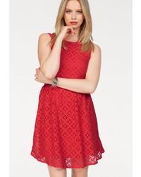 rotes ausgestelltes Kleid aus Spitze von Vero Moda