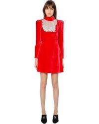 rotes gerade geschnittenes Kleid aus Samt