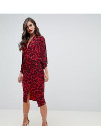 rotes gerade geschnittenes Kleid mit Leopardenmuster