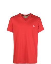 rotes T-Shirt mit einem V-Ausschnitt von Burberry