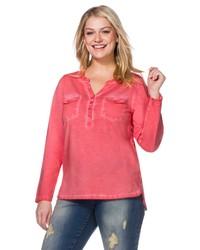 rotes T-shirt mit einer Knopfleiste von SHEEGO CASUAL
