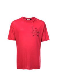 rotes und schwarzes bedrucktes T-Shirt mit einem Rundhalsausschnitt von Adaptation