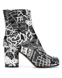 schwarze bedruckte Leder Stiefeletten von Maison Margiela