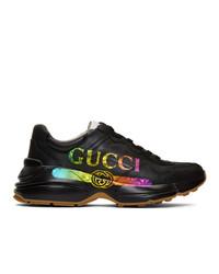 schwarze bedruckte Sportschuhe von Gucci