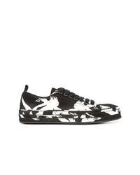 schwarze bedruckte Wildleder niedrige Sneakers