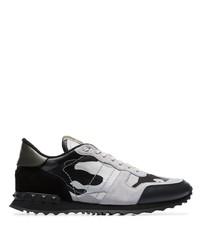 schwarze bedruckte Wildleder Sportschuhe von Valentino
