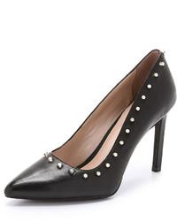 schwarze beschlagene Leder Pumps von DKNY