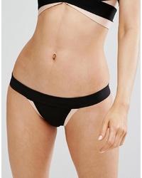 schwarze Bikinihose von PrettyLittleThing