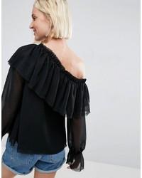 schwarze Bluse mit Rüschen von Asos