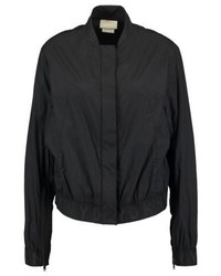 schwarze Bomberjacke von DKNY