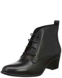 schwarze Chukka-Stiefel von Tamaris