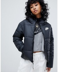 schwarze Daunenjacke von Nike