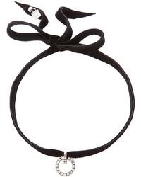 schwarze enge Halskette aus Samt