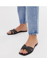 schwarze flache Sandalen aus Leder von Mango