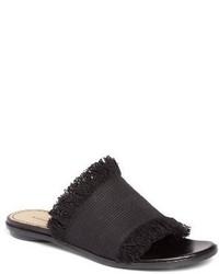 schwarze flache Sandalen aus Segeltuch
