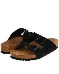 schwarze flache Sandalen aus Wildleder