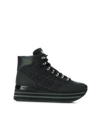 schwarze flache Stiefel mit einer Schnürung aus Leder von Baldinini